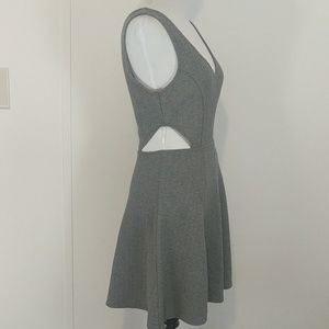 Divided H&M v-neck side cutout dress NWOT 6